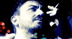 «Ορίζεσαι  λοιπόν καλλιτέχνης; Με ποιον τρόπο; Ορίζεσαι άνθρωπος, με πια κριτήρια;» Ο τραγουδοποιός Πάνος Λαμπρίδης γράφει στο Άνεμος magazine