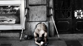 «Αν θέλουμε να είμαστε άνθρωποι», Κώστας Βασιλάκος