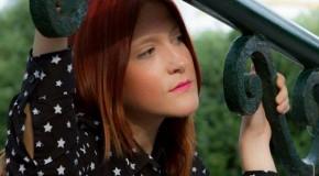 Η τραγουδίστρια Έλενα Ζανταρίδου απαντάει στο ερωτηματολόγιο του Προυστ