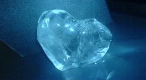 Η γαλάζια πέτρα | Γιάννης Μάνικας | Άνεμος magazine