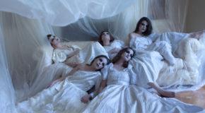 Γυναίκες από χώμα του Κοραή Δαμάτη (κείμενα-σκηνοθεσία) | Πολυχώρος Vault, από 5-28/10 (περιορισμένες παραστάσεις)