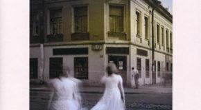 «Στη ζωή νωρίς νυχτώνει» – Ελένη Πριόβολου | Η άποψη της Τζίνας Ψάρρη για το βιβλίο