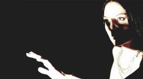 Κάτω απ' τον ίσκιο του βουνού (Γιάννης Ρίτσος)   θέατρο Αργώ από 17/02-15/04