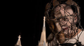 «Ο άνθρωπος ελέφαντας» του Bernard Pomerance στο Vault theatre | Ο Γιάννης Φιλιππίδης γράφει για την παράσταση